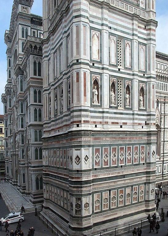 https://upload.wikimedia.org/wikipedia/commons/thumb/7/7b/Veduta_del_campanile_di_giotto_dalla_misericordia.JPG/547px-Veduta_del_campanile_di_giotto_dalla_misericordia.JPG