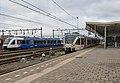 Venlo Veolia 359 (met Arriva bestickering) naast Arriva Lint 28 (31299155585).jpg