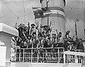 Vertrek contingent padvinders van Rotterdam met Groote Beer naar Jamboree in Can, Bestanddeelnr 907-2708.jpg