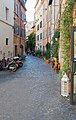 Via dei Cappellari in Rome (1).jpg