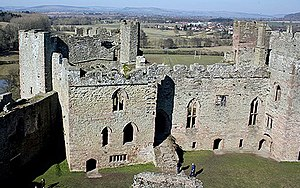 Ludlow Castle - 13th-century Solar block (left) and Great Hall (right), in front of the North-West Tower