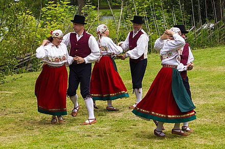 A Viljandi folk dance group performing at Hedemora gammelgard, Sweden. Viljandi folkdanslag pa Hedemora gammelgard 2014 01.jpg