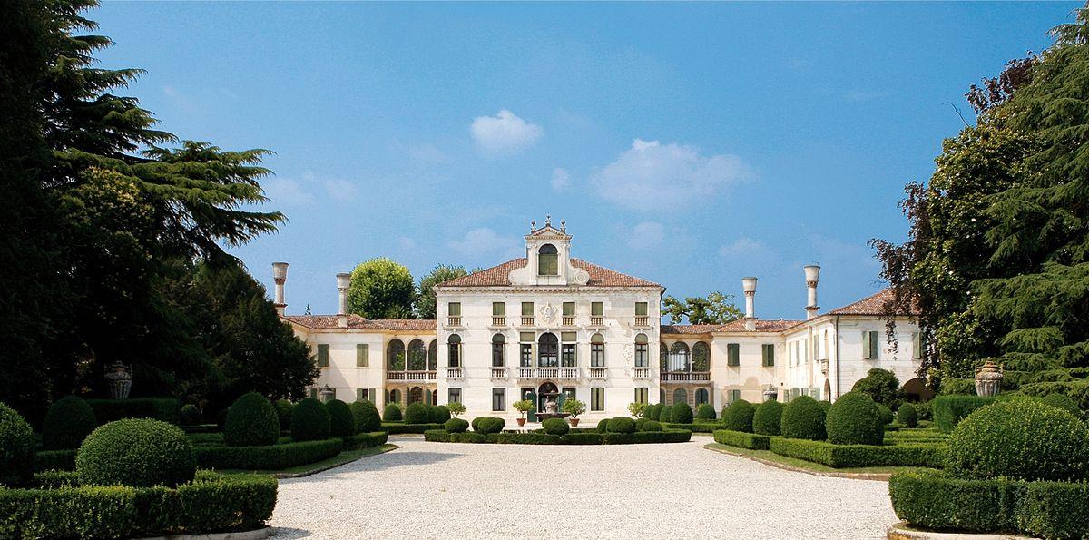 Villa Tiepolo Passi - Wikipedia