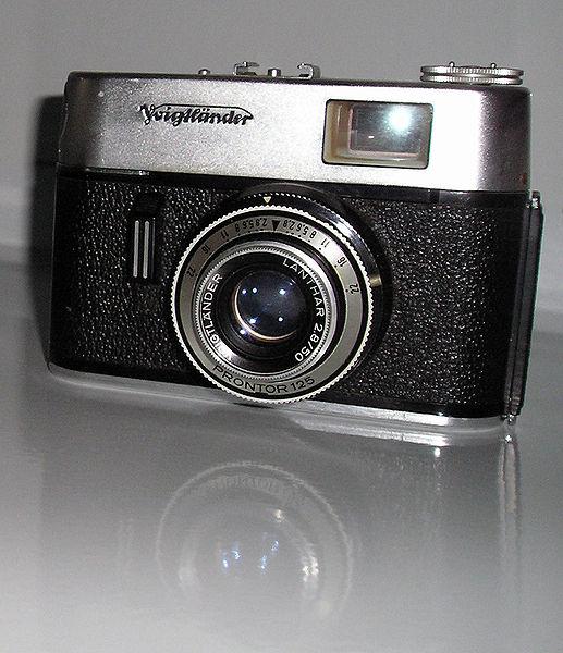 Berkas:Voigtlander camera.jpg