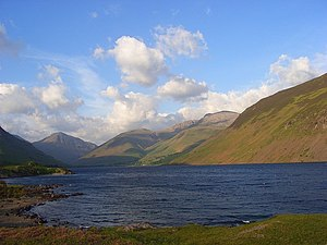 English: Wast Water A view up the valley to th...