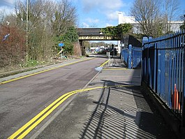 Watford, Ascot Road railway bridge - geograph.org.uk - 735534.jpg