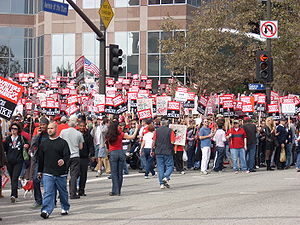 Wga rally - ave stars - crossing street.JPG