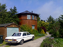 Recycled living in the Findhorn Foundation Com...