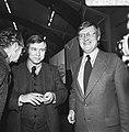 Wiegel (rechts) en staatssecretaris Van Dam, Bestanddeelnr 926-8428.jpg