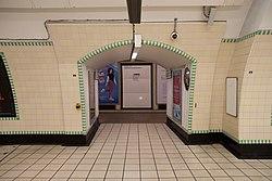 WoodGreen - Through to eastbound platform after (4570627585).jpg