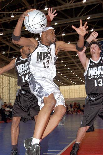 Wood Harris - Harris playing basketball in 2006