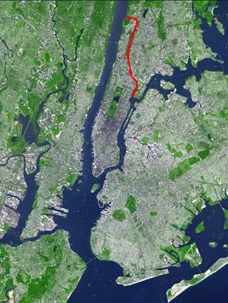 Harlem River - The Harlem River, shown in red, between the Bronx and Manhattan in New York City