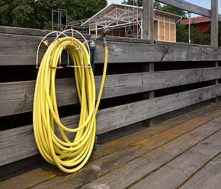 Yellow hose.jpg
