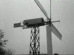 Bestand:Zelfgebouwde windmolen wekt genoeg energie voor boerenbedrijf Weeknummer, 80-06 - Open Beelden - 29315.ogv