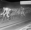 Zesdaagse wielrennen in RAI Amsterdam. Gerard Koel (rechts) en Piet de Wit wisse, Bestanddeelnr 923-0791.jpg