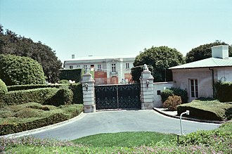 Jerry Perenchio - 750 Bel Air Road in 1988