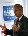 """""""Darum Europa"""" - Staatssekretär Lopatka bei Fa. Mondi in Kärnten (8269050673).jpg"""