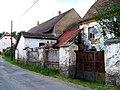 Červený Újezd (BN) 5 a 25, ze silnice.jpg