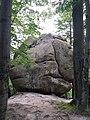 Скельно-печерний комплекс Поляницького регіонального парку (камінь Колобок).jpg