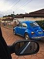 فولكس فاغن بيتل في بلدة قروية بولاية ميناس جرايس البرازيلية.jpg