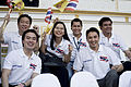 นายกรัฐมนตรี กล่าวขอบคุณประชาชนทุกจังหวัดและร่วมร้องเพ - Flickr - Abhisit Vejjajiva (29).jpg