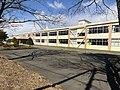 正面から見た校舎.jpg