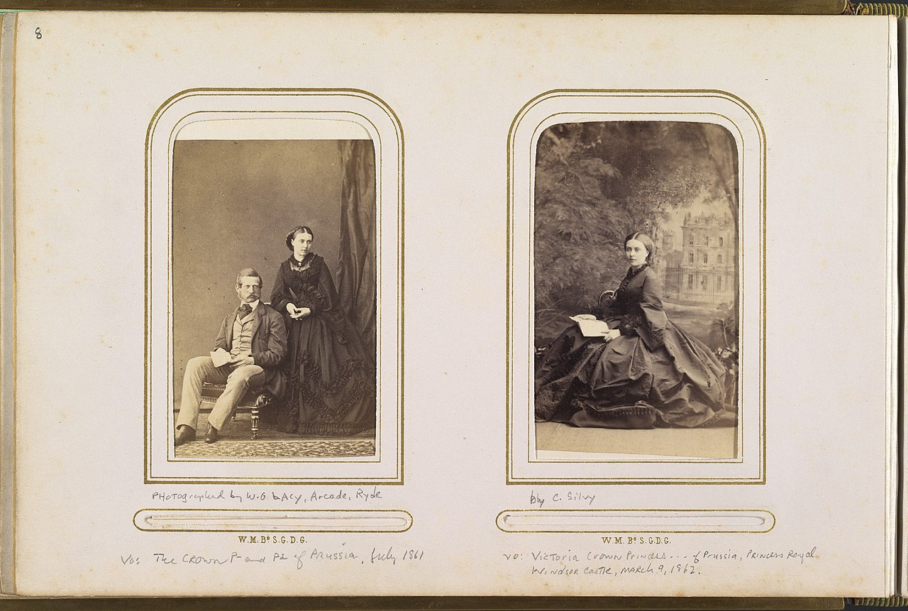 File Carte De Visite Album Of British And European Royalty MET DP333833