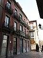 021 Calle de la Ferrería (Avilés), al fons la pl. Carlos Lobo.jpg