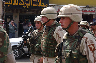 David Petraeus - Petraeus on patrol in Mosul with Gen. Peter J. Schoomaker, 2003