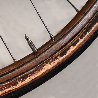 Tubular tyre - wooden bicycle rim with tubular tyre