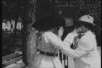 File:1916 Лысый кинооператор.webm