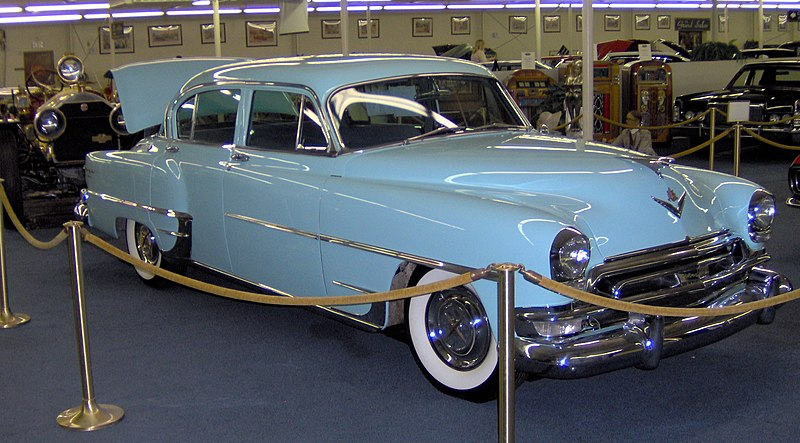 File:1954 Chrysler New Yorker Howard Hughes.JPG