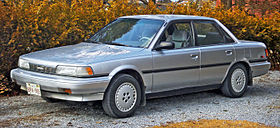 1987 1990 Toyota Camry LE Sedan 01