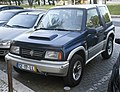 1998 Suzuki Vitara 1.9TD Hardtop, front left (Portugal).jpg