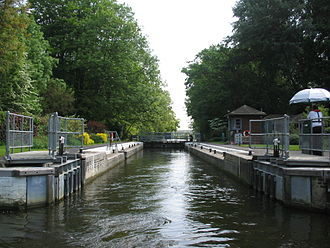 Whitchurch Lock - Whitchurch Lock with head gates open
