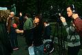 2012-05-09 (08) Corinna Luedtke und zwei Mitarbeiter von H1 - Fernsehen aus Hannover beim Interview.jpg