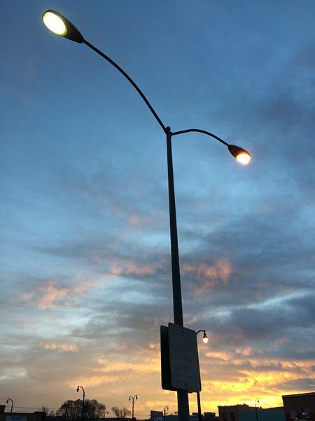 and mercury vapor lights in the roy 39 s parking lot in elko nevada jpg. Black Bedroom Furniture Sets. Home Design Ideas