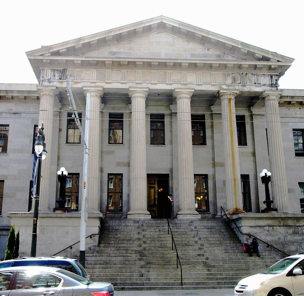 2017 Old San Francisco Mint Building main entrance