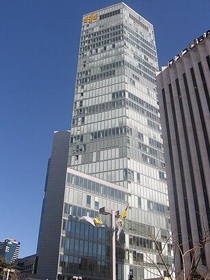 איך מגיעים באמצעות תחבורה ציבורית אל מגדל הבינלאומי? - מידע על המקום