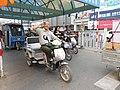 A very nice Chinese man in Kaifeng, June 9, 2011 - panoramio.jpg