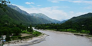 A view of Sutlej river Himachal Pradesh India 2014.jpg