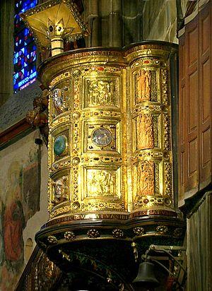 Ambon of Henry II - Image: Aachener Dom Kanzel