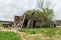 Abandoned plantation near Wakefield VA 19 (39758498670).jpg