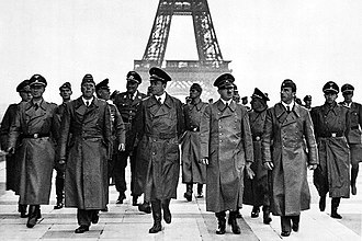 Paris in World War II - Image: Adolf Hitler, Eiffel Tower, Paris 23 June 1940