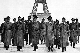 Paris in World War II - Image: Adolf Hitler, Eiffel Tower, Paris 23 June 1940