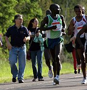 Al Franken and Wesley Ngetich Kimutai in the 2007 Grandma's Marathon