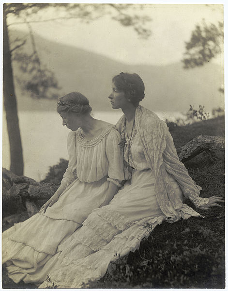 File:Alice boughton two women under a tree.jpg