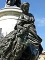 Allégorie Statue Louis XV Reims 270608 2.jpg