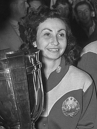 Angelica Rozeanu - Angelica Rozeanu at the 1955 World Championships