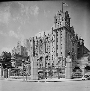 National Register of Historic Places listings in St. Louis south and west of downtown - Image: Anheuser Busch Brewery, Broadway & Pestalozzi , Saint Louis (St. Louis City County, Missouri)
